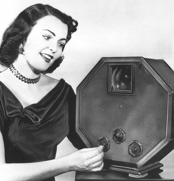 1928_GE_Octagon_3_inch_TV