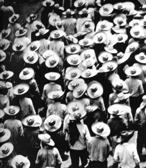 027_-tina-modotti-marcia-dei-campesinos-messico-1928
