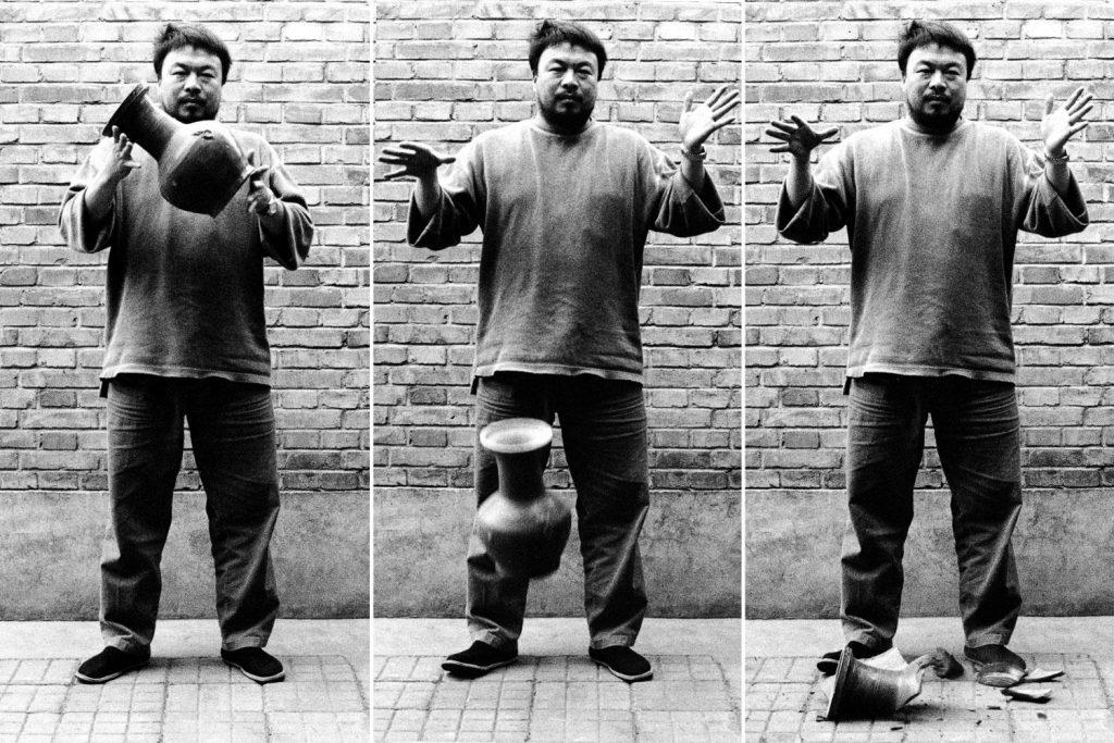 C201704-C-Ai-Weiwei-Dropping-a-Han-Dynasty-Urn-fd7b075c