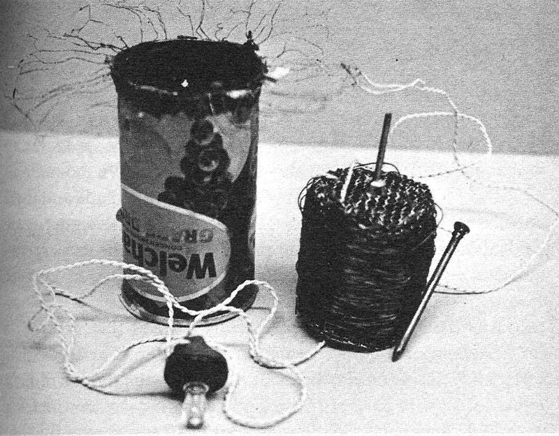 Receptor de radio disenado para el Tercer Mundo. Papanek