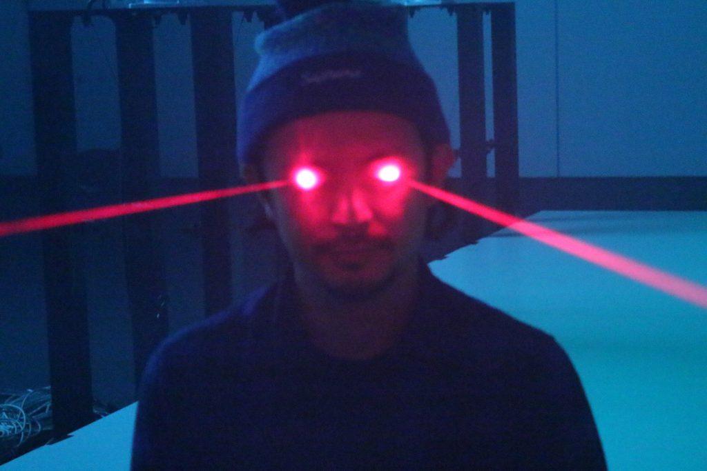 daito_prof_big_laser