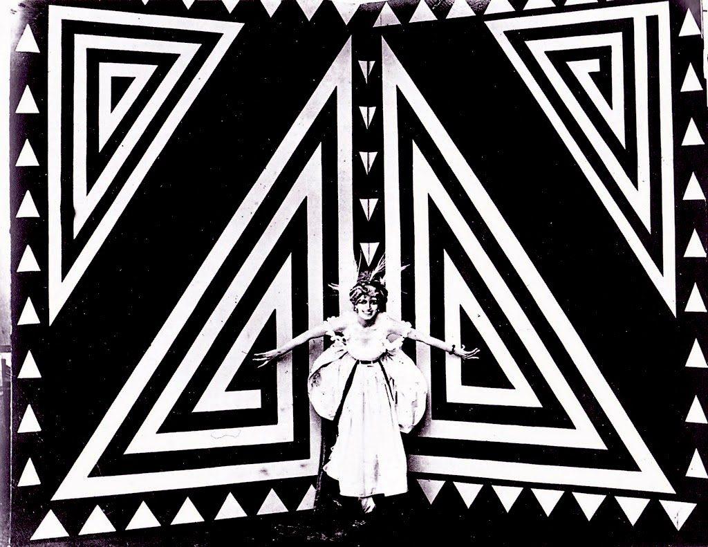 THAIS (1916), de Anton Giulio Bragaglia