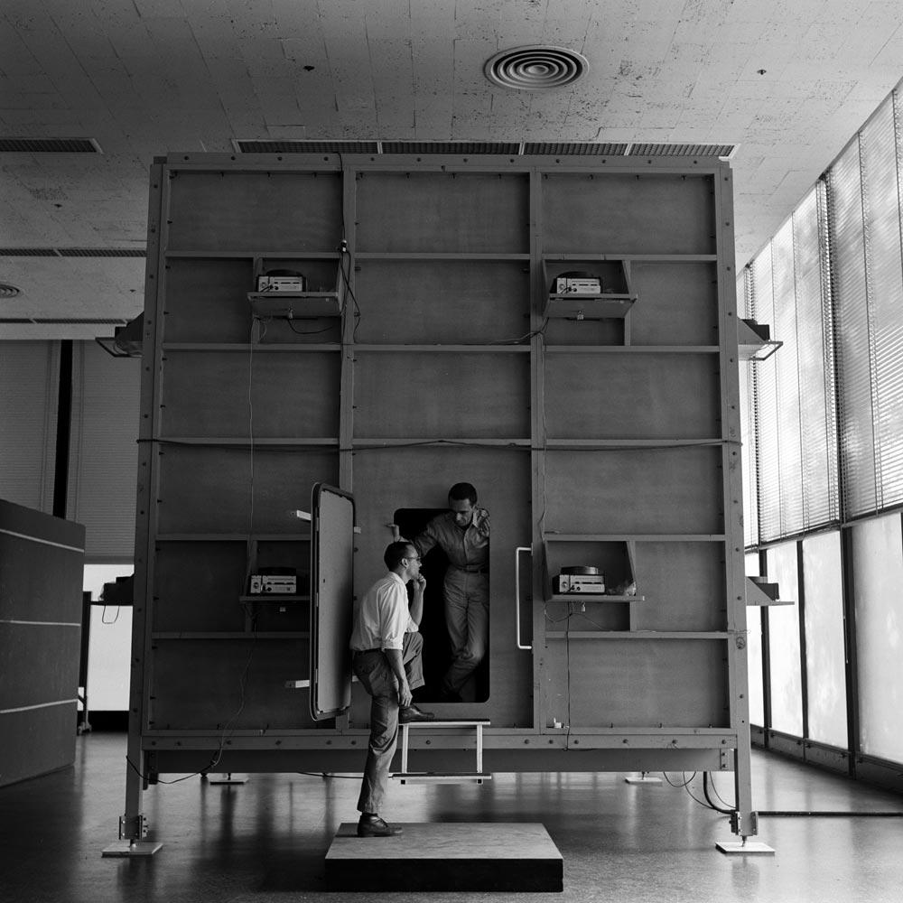 isaacs-knowledge-box-02