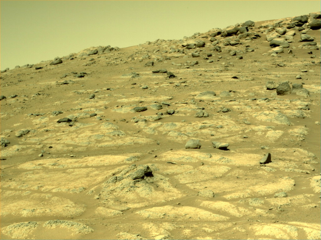 Mars_Perseverance_NRF_0137_0679104925_599ECM_N0051812NCAM03137_05_095J